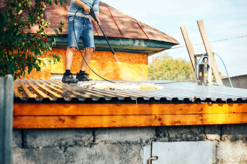 démoussage toiture gironde